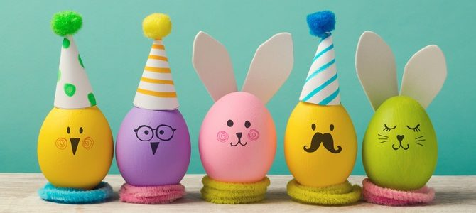 easter-holiday-concept-with-cute-handmade-eggs-bunny-chicks-and-party-hats-3